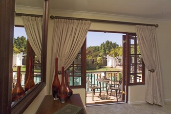 Cape Town Holidayhomes Bloubergstrand luxurious Villas Suites