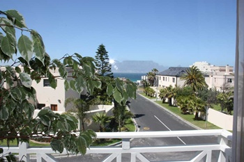 Bloubergstrand Holidayhomes Guesthouses Cape Town Accommodations